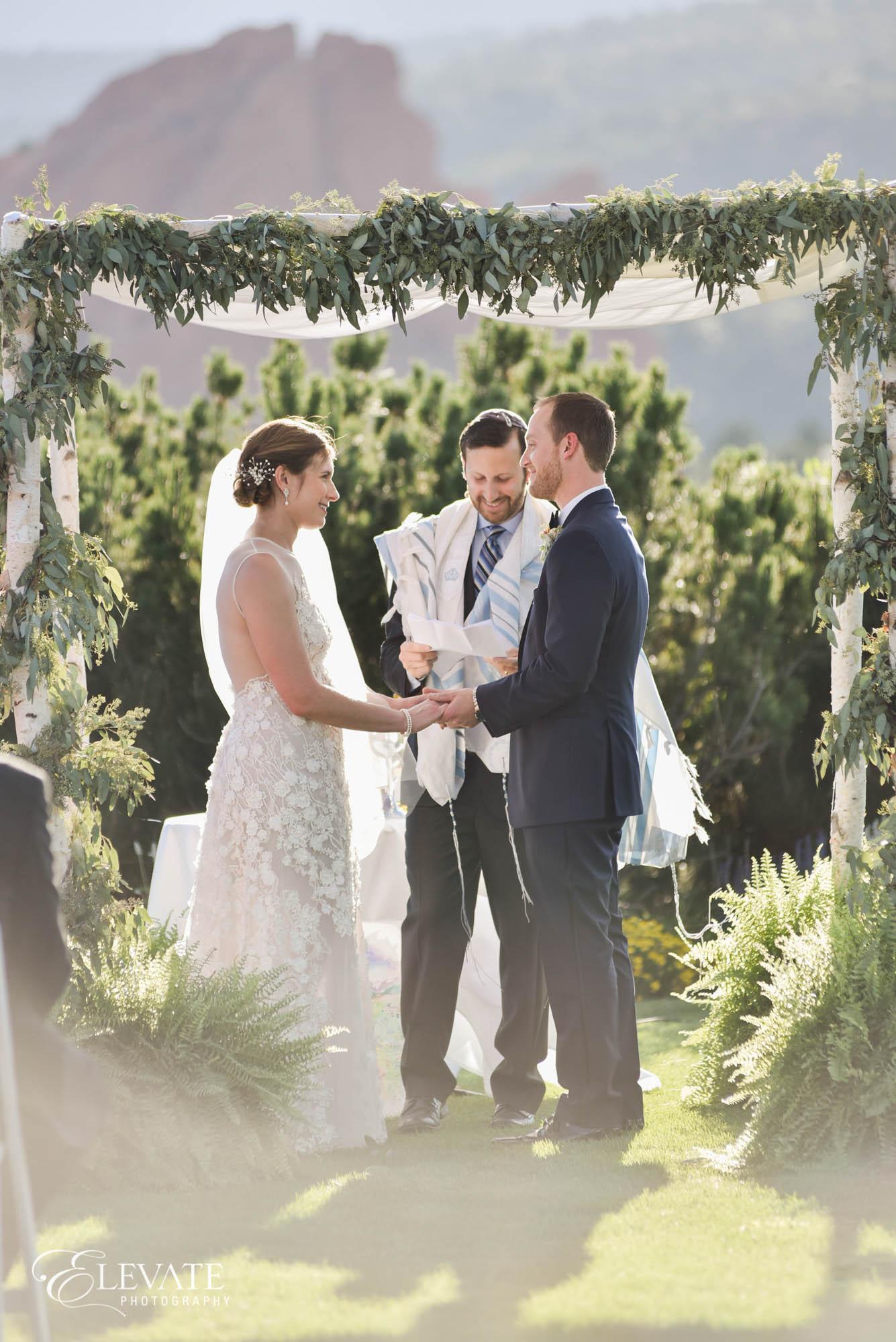 wedding ceremony colorado springs garden of the gods