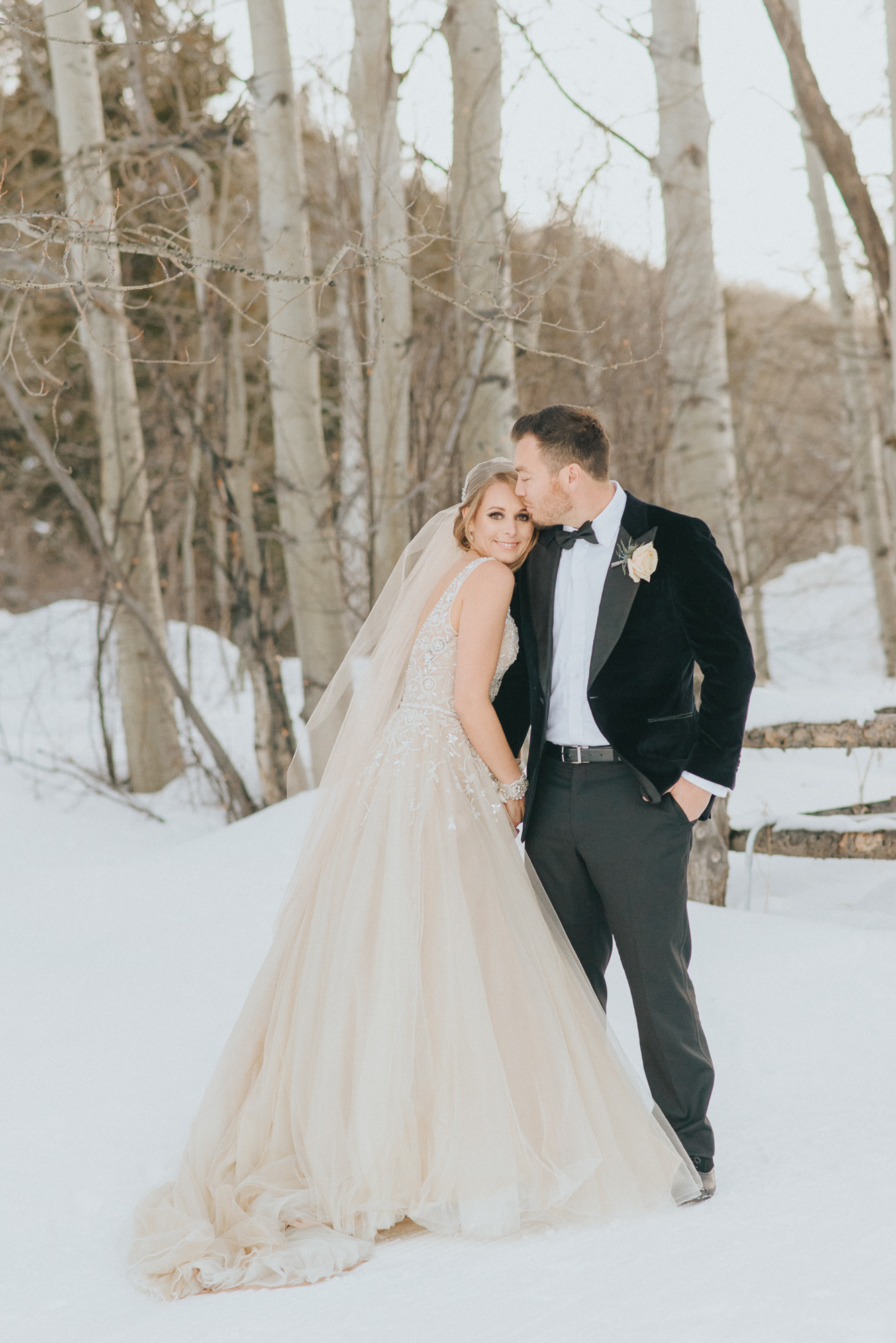 winter snow portrait bride groom snow aspen