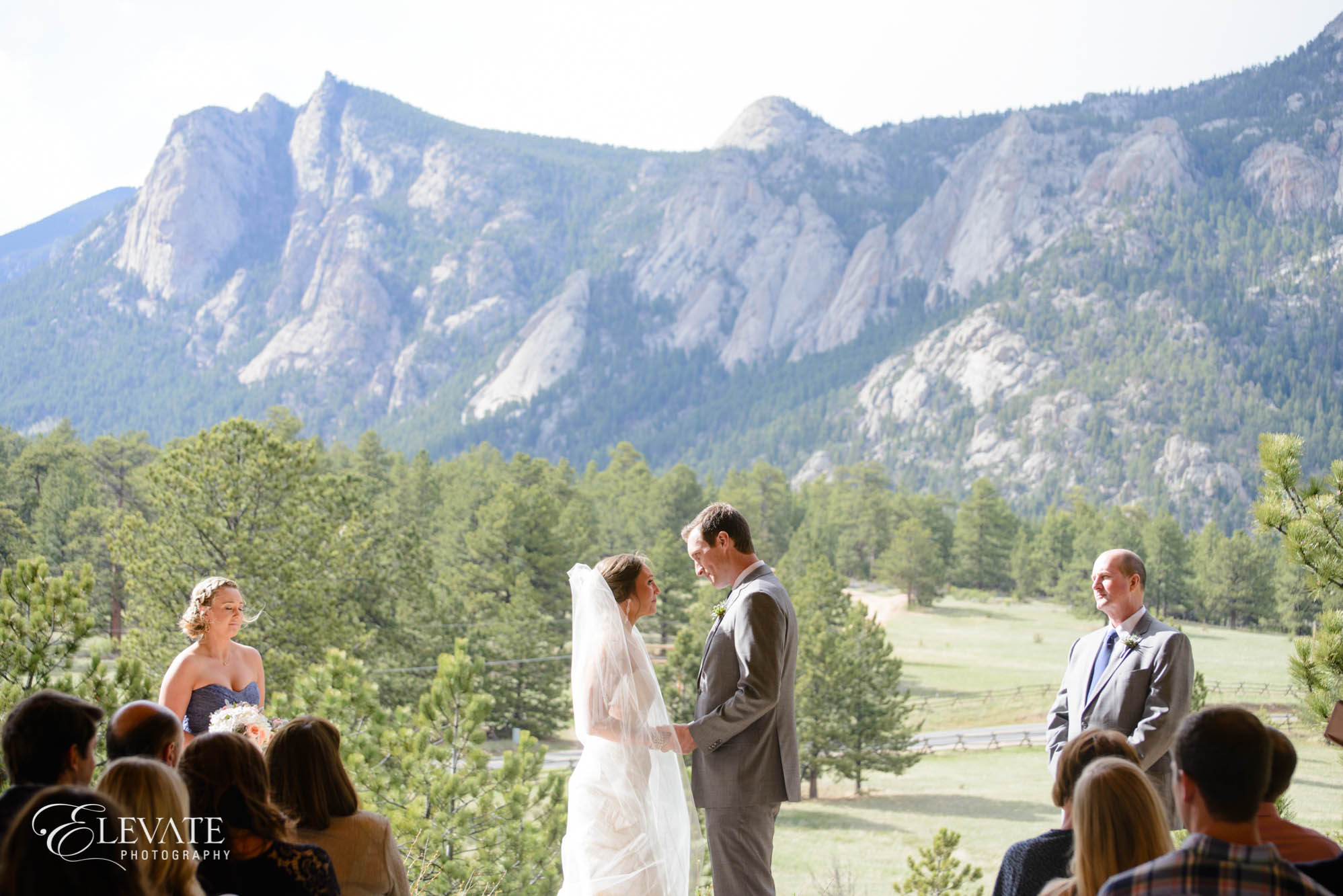 estes park wedding photos ceremony