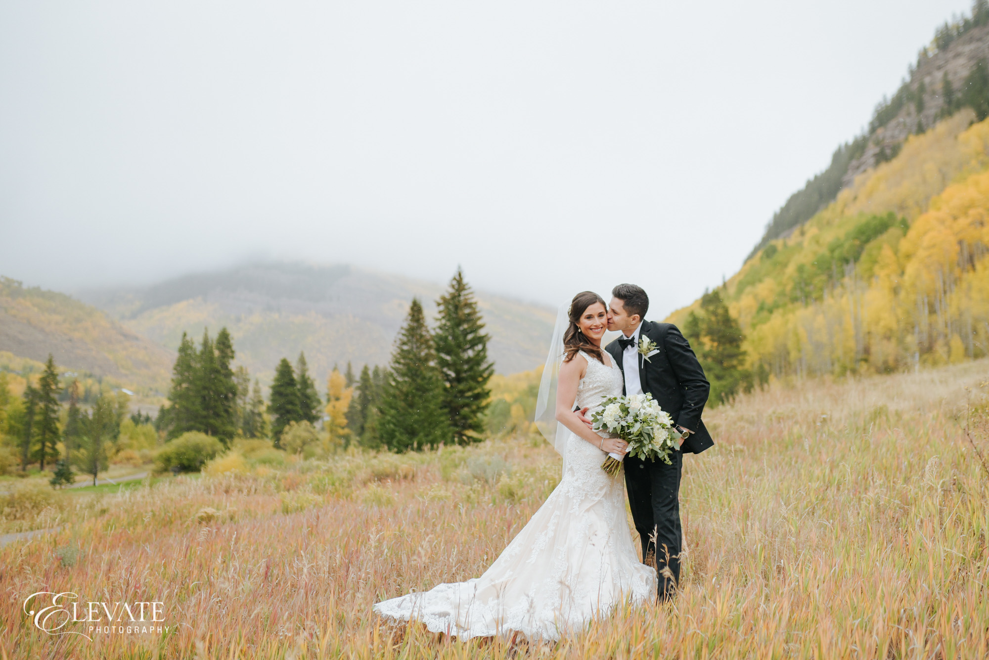 Vail wedding couple