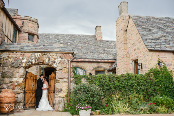 wedding couple at castle