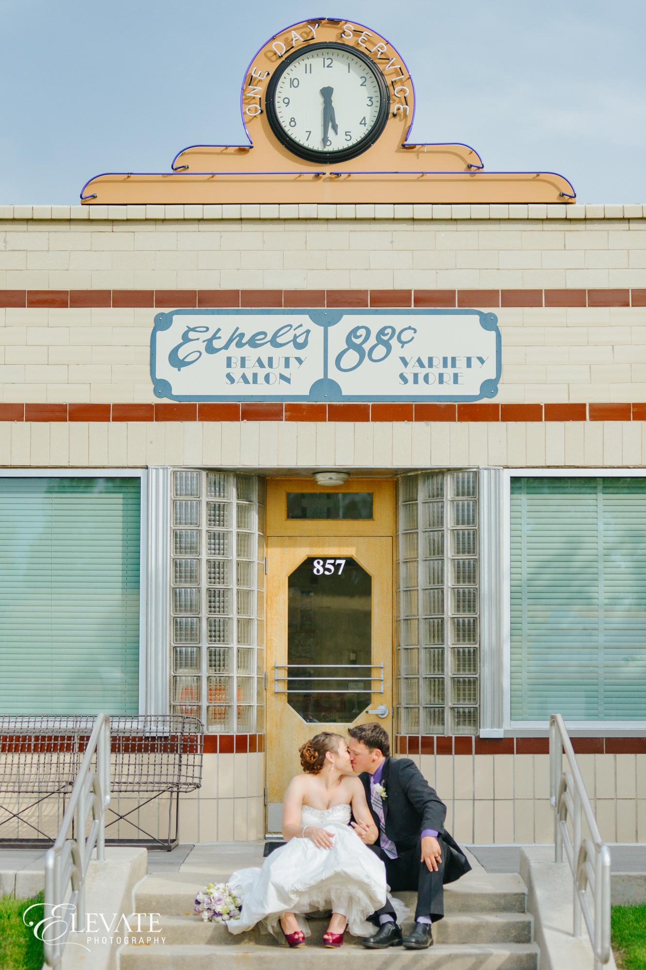 bride groom vintage shop