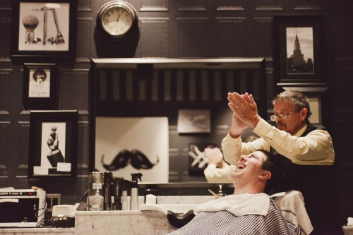 groom hot shave