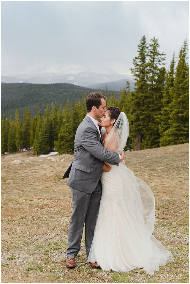 timber-ridge-lodge-keystone-wedding-photos_0063