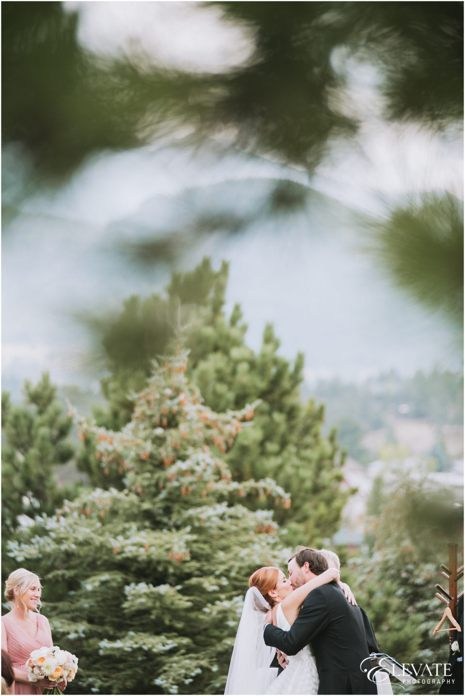 the-stanley-hotel-wedding-photos-32