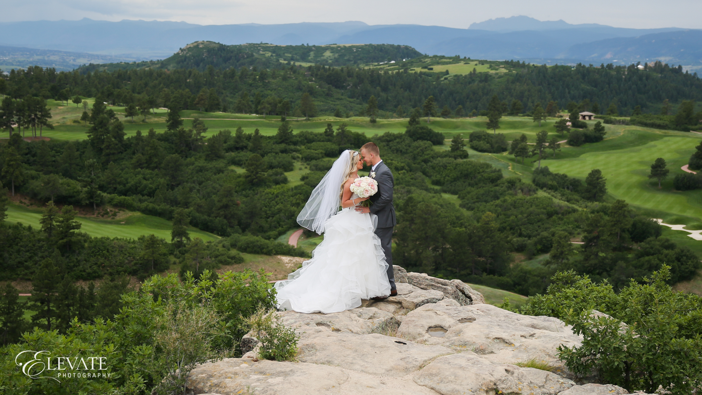 landscape wedding couple in Castle Rock