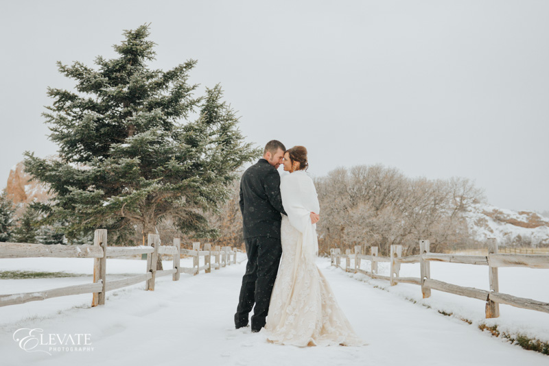 winter wedding with bride and groom