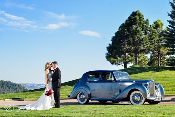 wedding couple with limo