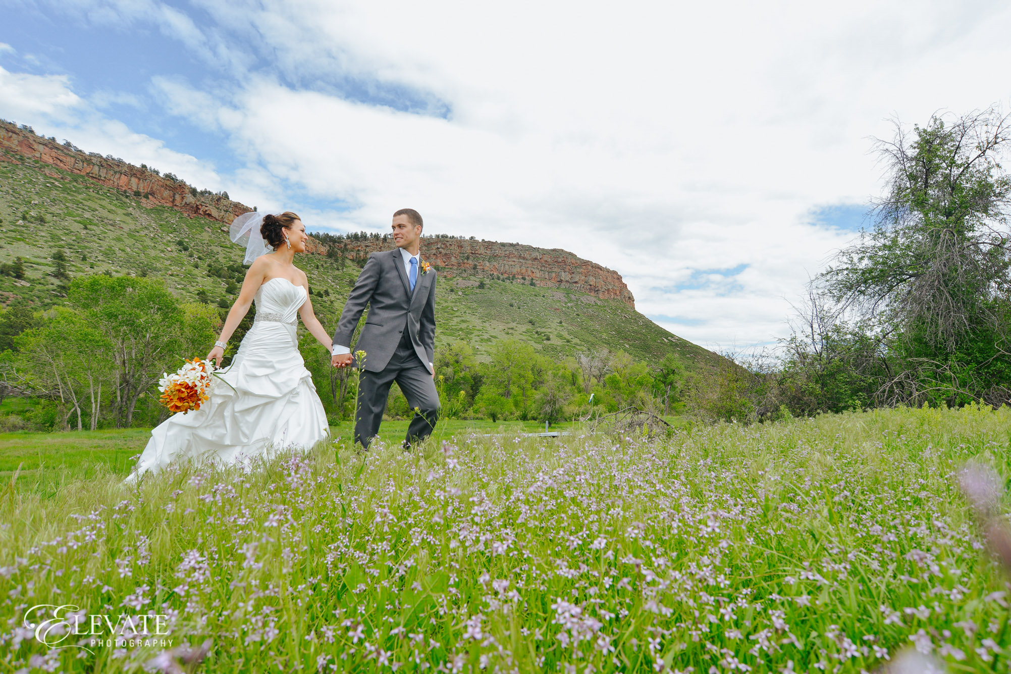 bride groom walking summer mountain