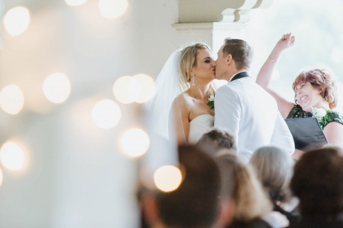 cermony first kiss